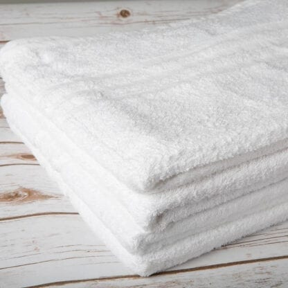 white hotel towels